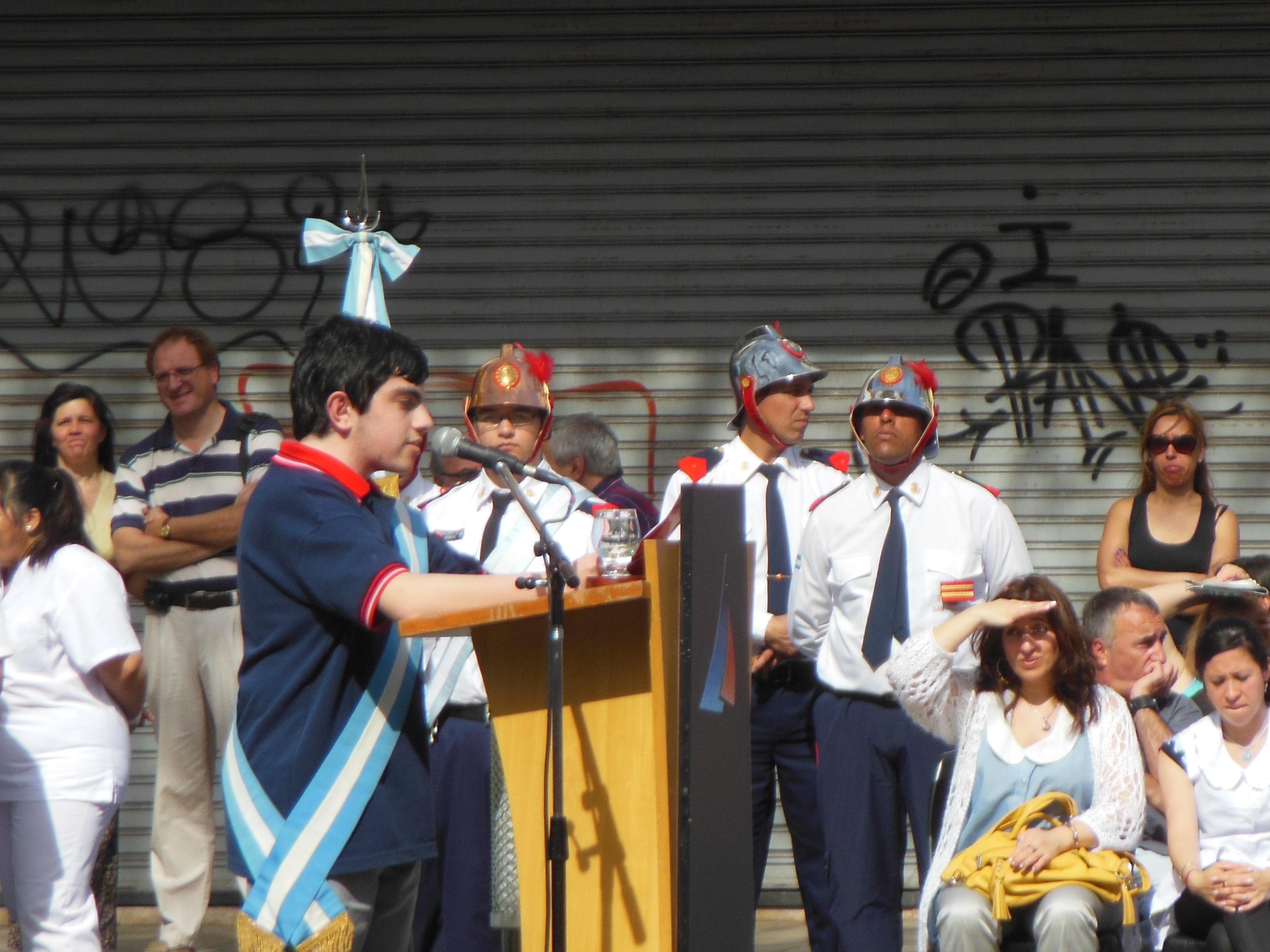 Acto por el Día del Maestro en la Plaza Sarmiento. | Winter Garden